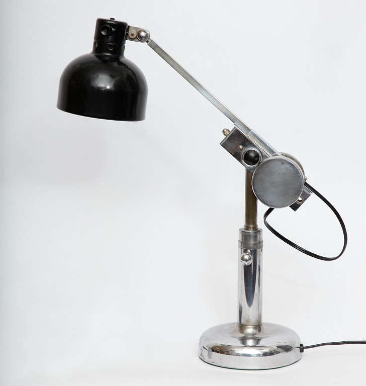 1930s French Articulated Table Lamp In Excellent Condition For Sale In New York, NY