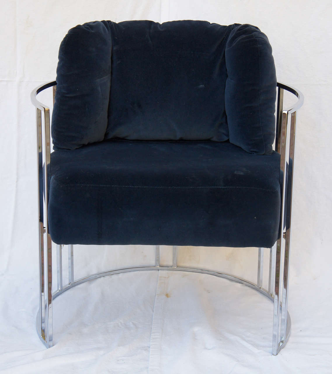 Pair of 70s chrome deco style chairs by milo baughman at for Furniture 70s style