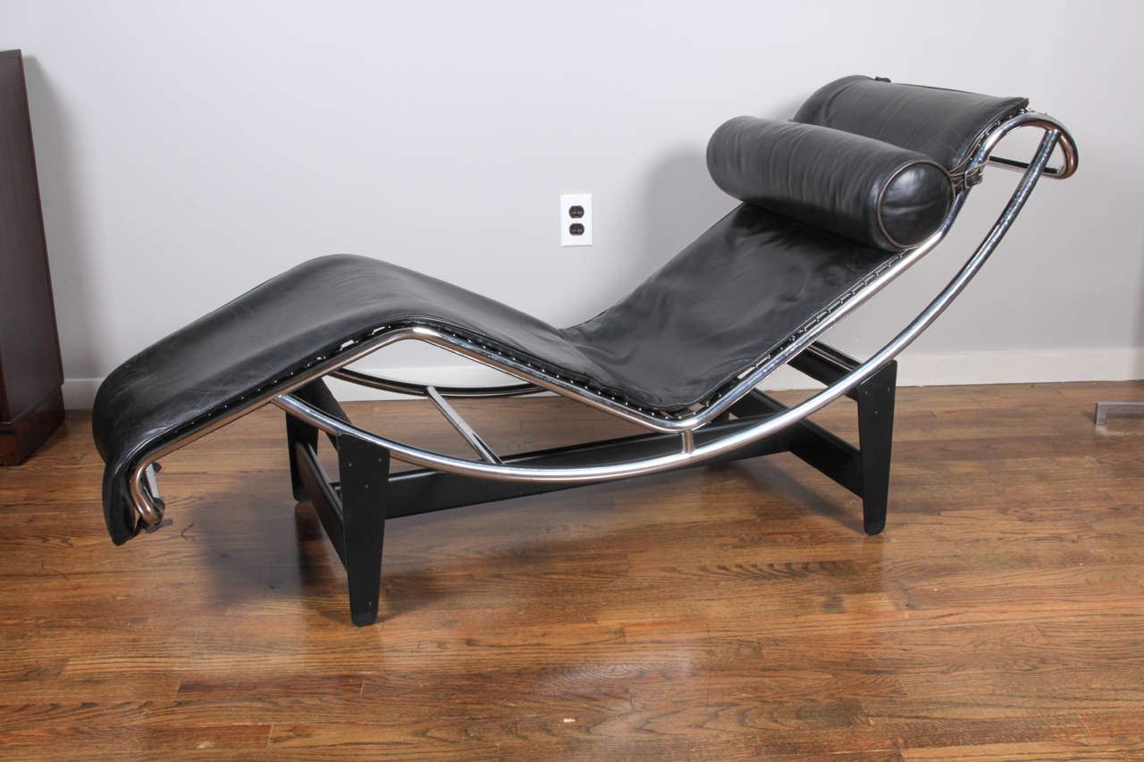 lc4 chaise lounge by le corbusier pierre jeanneret and charlotte perriand at 1stdibs. Black Bedroom Furniture Sets. Home Design Ideas