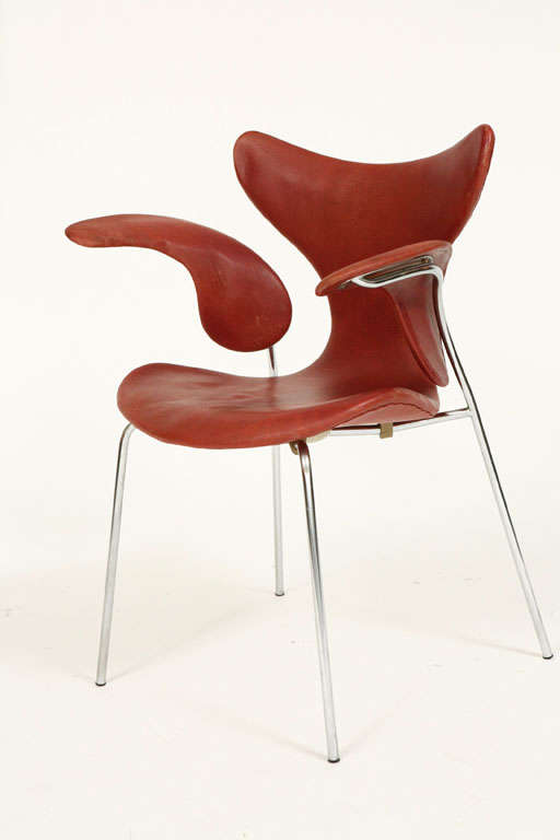 """Arne Jacobsen """"Seagull"""" Chair In Good Condition For Sale In Los Angeles, CA"""