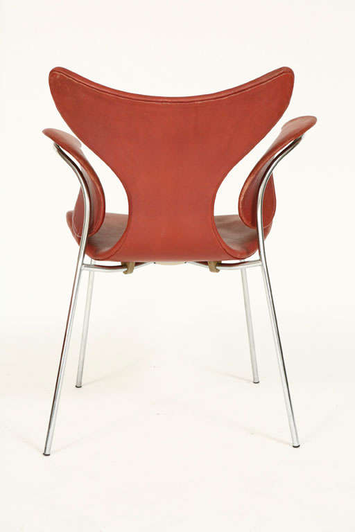 "Arne Jacobsen ""Seagull"" Chair For Sale 1"