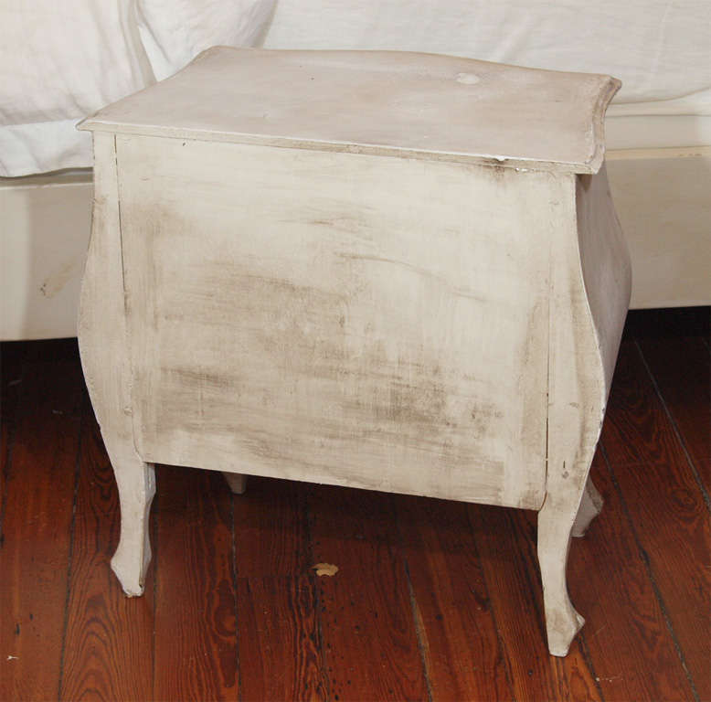 Pair of Swedish Style Painted Nighstands or Side Tables 9