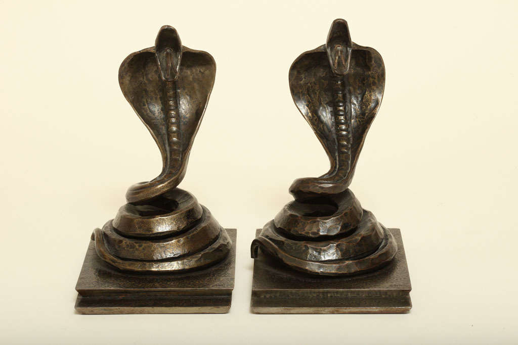 Edgar Brandt French Art Deco Pair of Wrought Iron Cobra Bookends In Good Condition For Sale In New York, NY