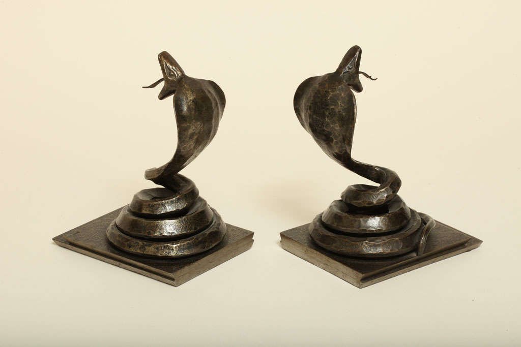 Edgar Brandt French Art Deco Pair of Wrought Iron Cobra Bookends For Sale 2