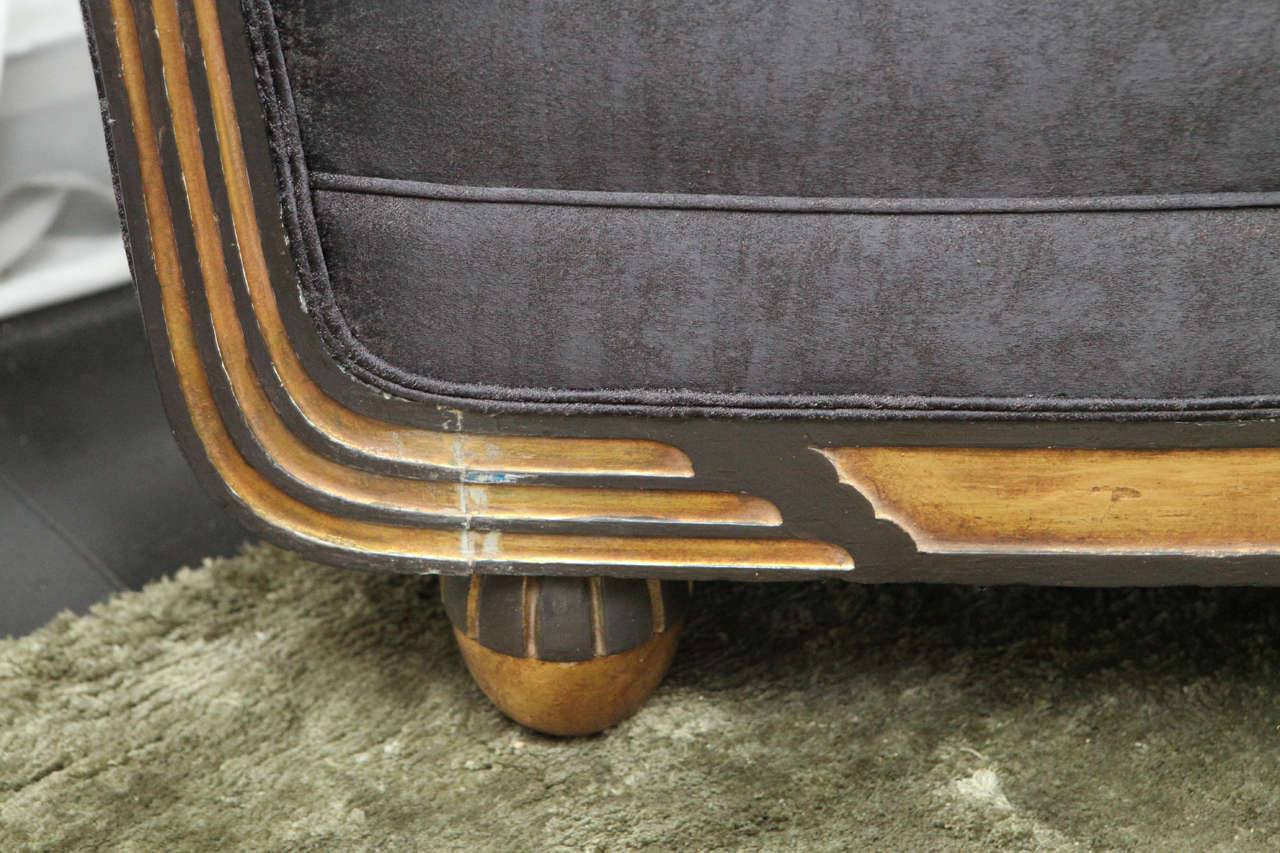 Carved Art Deco Sofa in Gold Leaf, France, circa 1940s In Good Condition For Sale In Los Angeles, CA