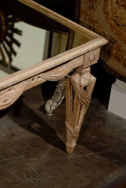 Italian Mirrored Top Ornate Bleached Wood Coffee Table with Swags, circa 1920 In Good Condition For Sale In Atlanta, GA