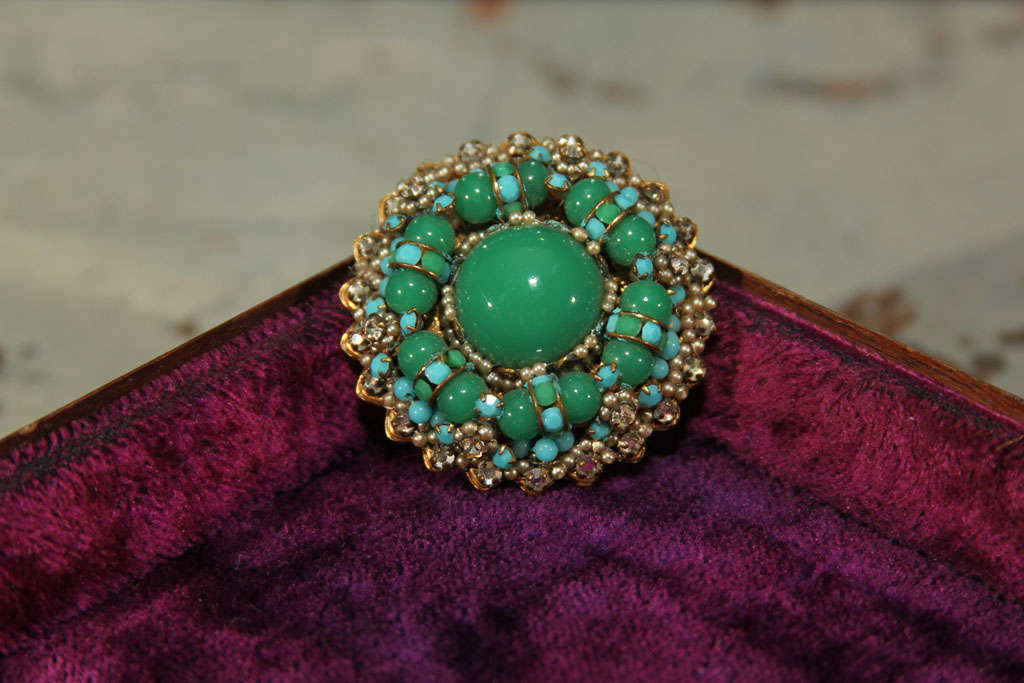green/blue brooch For Sale 1