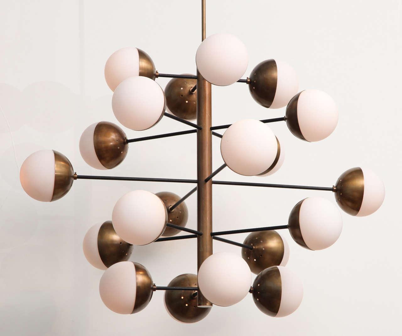 Italian Rare 20-Light Chandelier by Stilnovo