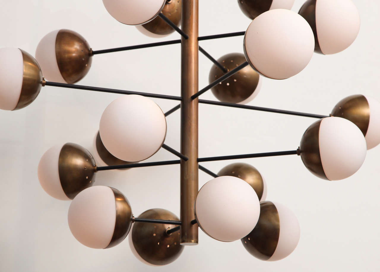 Rare 20-Light Chandelier by Stilnovo In Excellent Condition In New York, NY