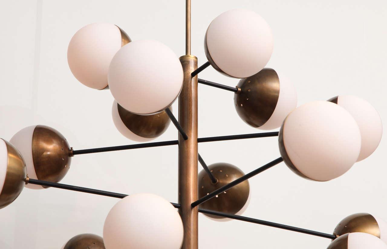 Mid-20th Century Rare 20-Light Chandelier by Stilnovo