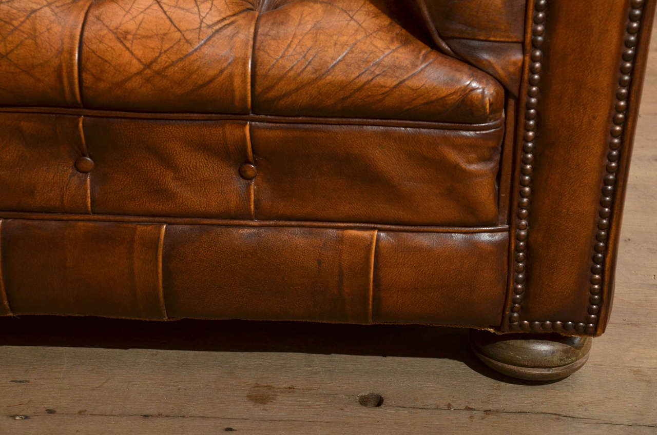 1970s French Leather Chesterfield Sofa 5