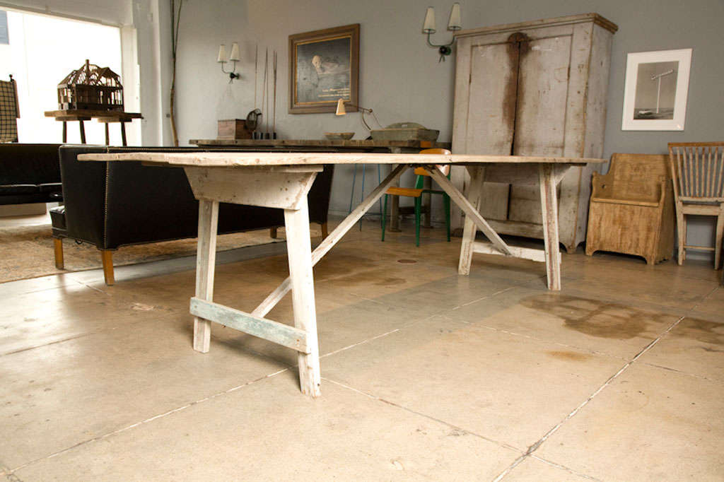 AMERICAN PRIMITIVE WHITE-WASHED HARVEST DINING TABLE at 1stdibs