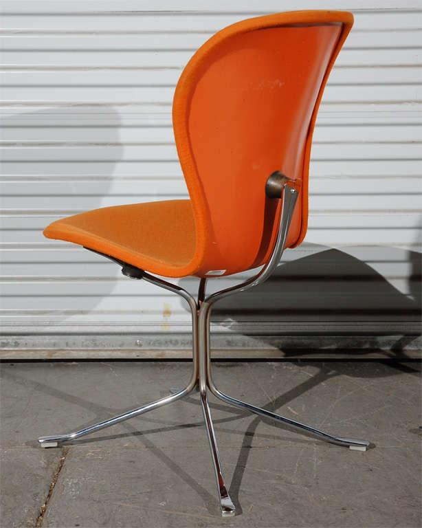 Gideon Kramer Ion chairs, pair American Desk Corporation USA, 1974 upholstery, fiberglass, chrome-plated steel