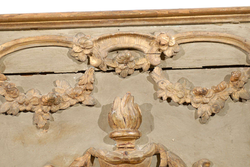 French 18th Century Painted and Gilt Trumeau Mirror with Carved Scrolled Decor For Sale 2