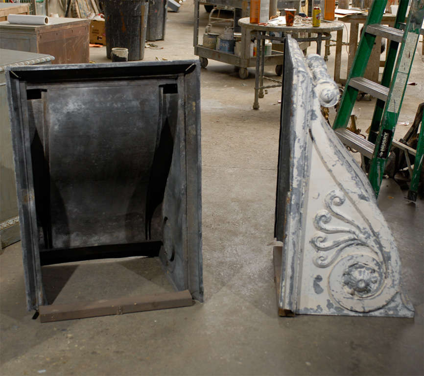 Pair of Large Size Turn of the Century Zinc Decorative Corbels with Volute For Sale 2