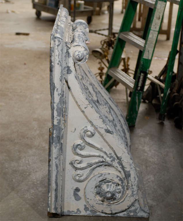 Pair of Large Size Turn of the Century Zinc Decorative Corbels with Volute For Sale 3