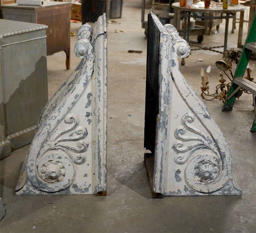Pair of Large Size Turn of the Century Zinc Decorative Corbels with Volute For Sale 4