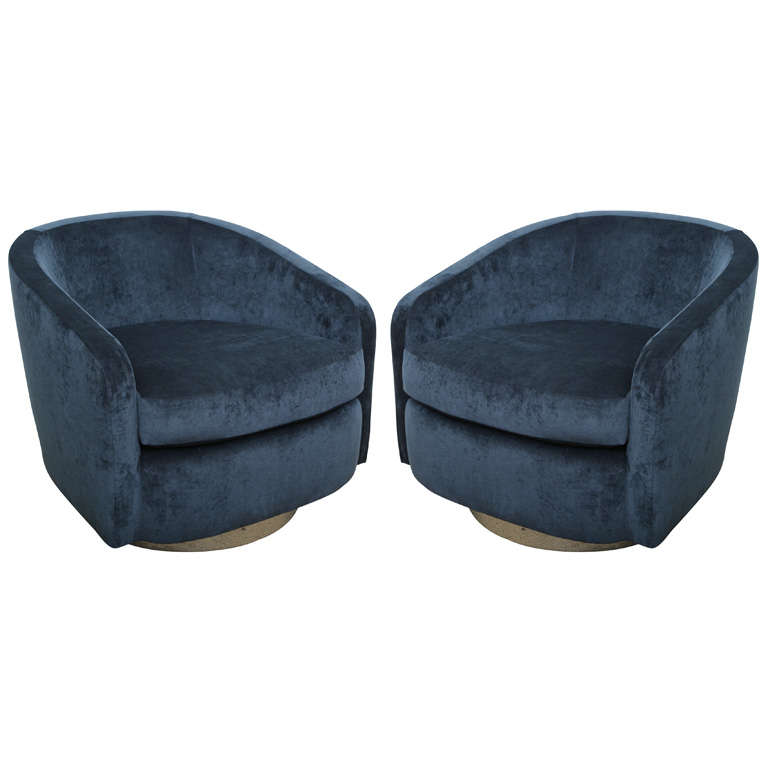 Pair Of Chic 1970 S Swivel Barrel Chairs At 1stdibs