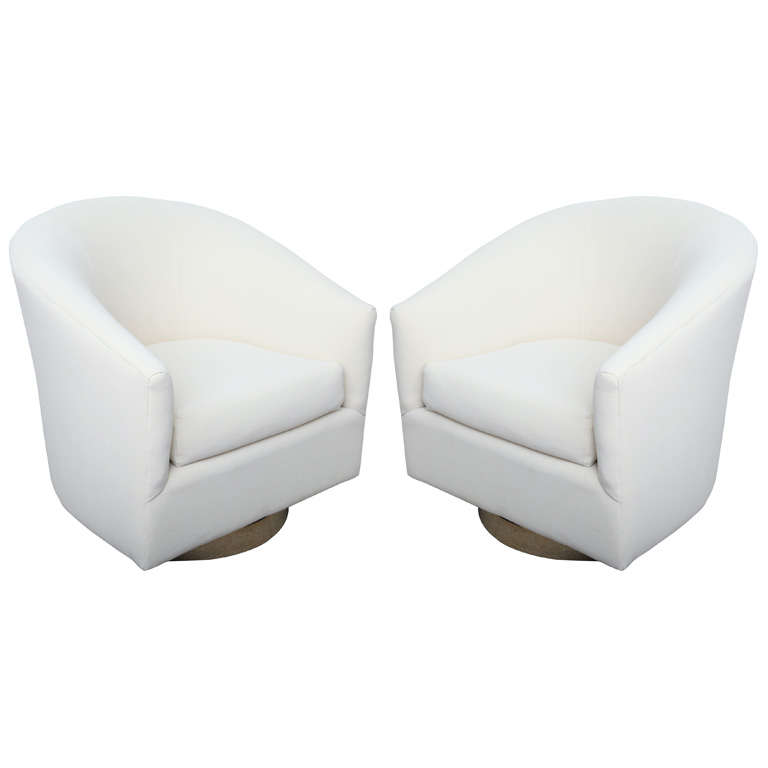 Pair Of High End 1970 S Swivel Bucket Chairs At 1stdibs