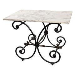 Pastry table with iron base and marble top