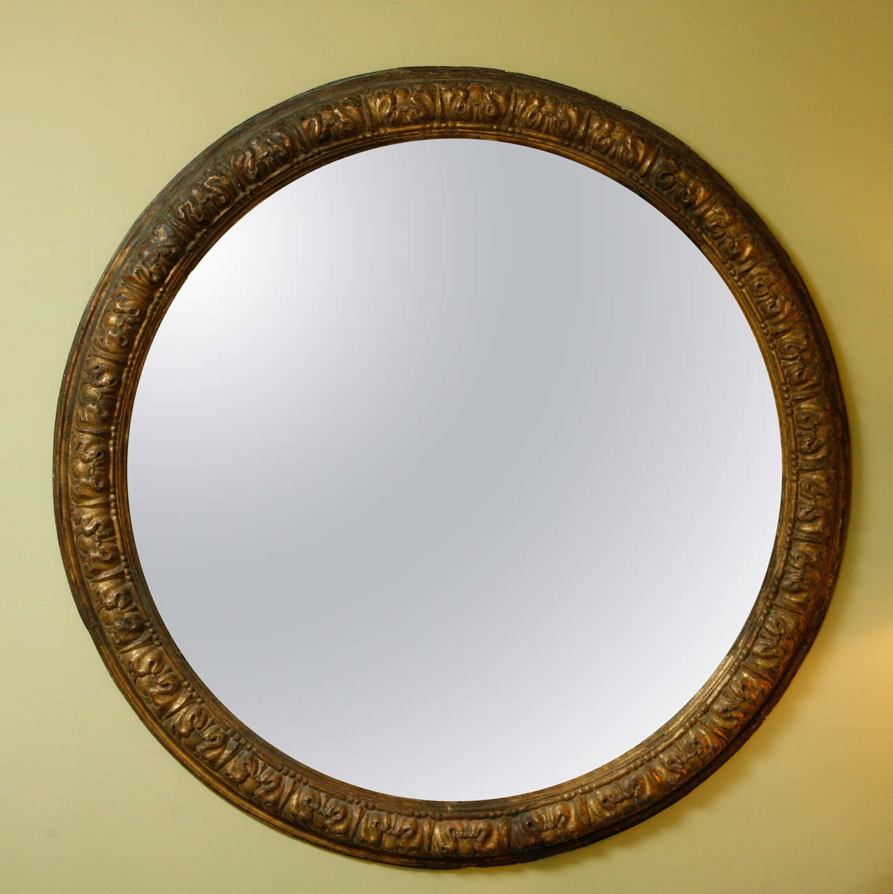 An Italian Carved And Gilt Wood Large Round Mirror 18th C