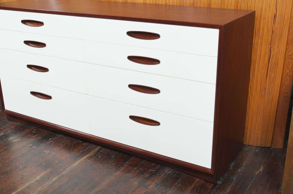 Hendredon Dresser In Excellent Condition For Sale In San Francisco, CA