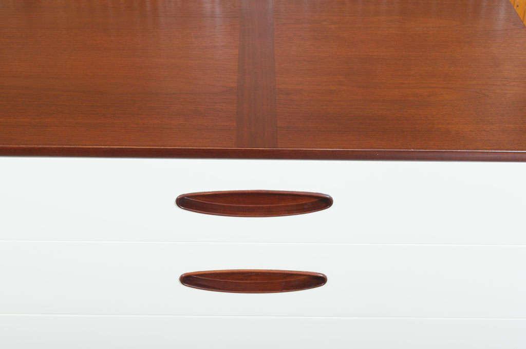 Hendredon Dresser 8