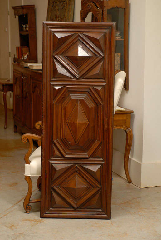 17th Century Pair of French Louis XIII Period Carved Walnut Architectural Panels For Sale 4