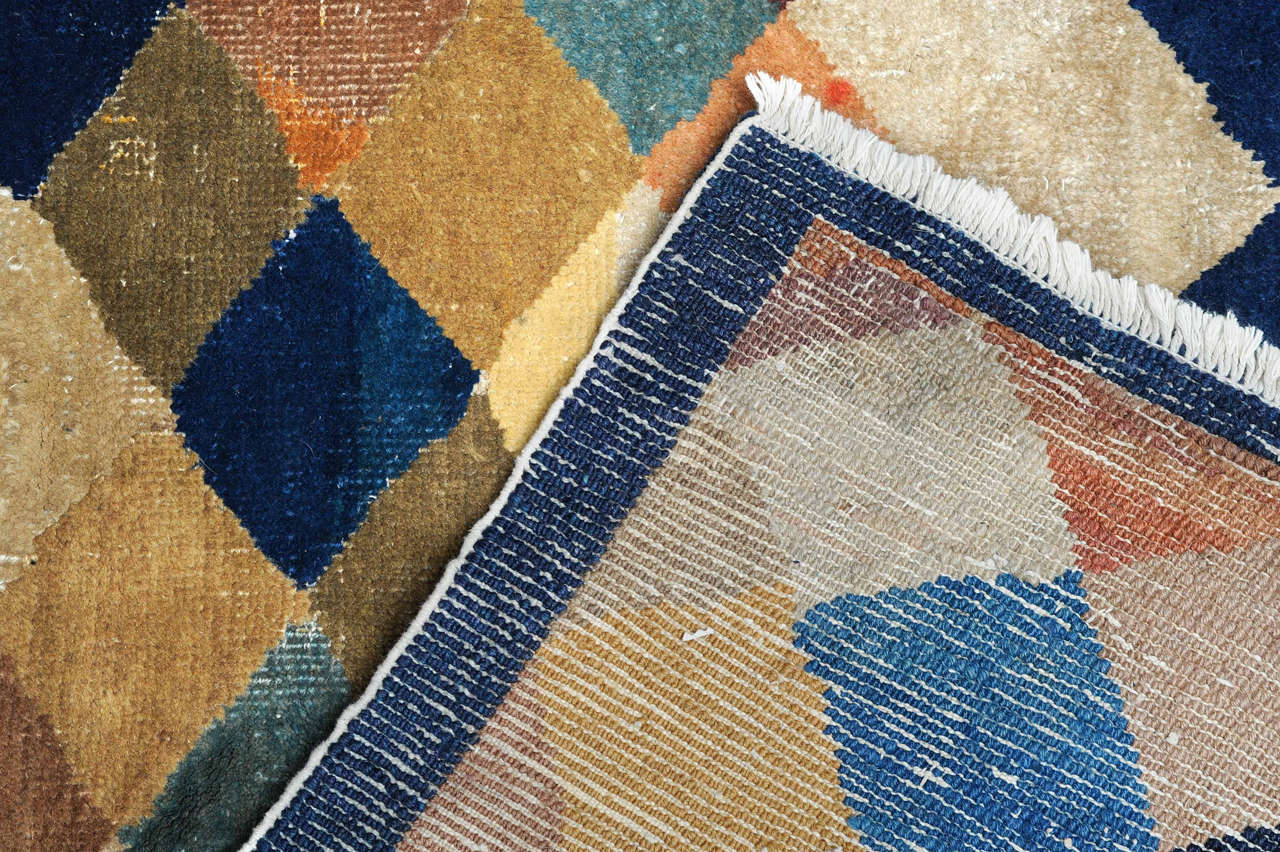 Carpet with Polychrome Lozenges In Good Condition For Sale In Milan, IT