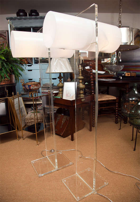 Marvelous Mod Lucite Floor Lamps in the Manner of Neal Small 7
