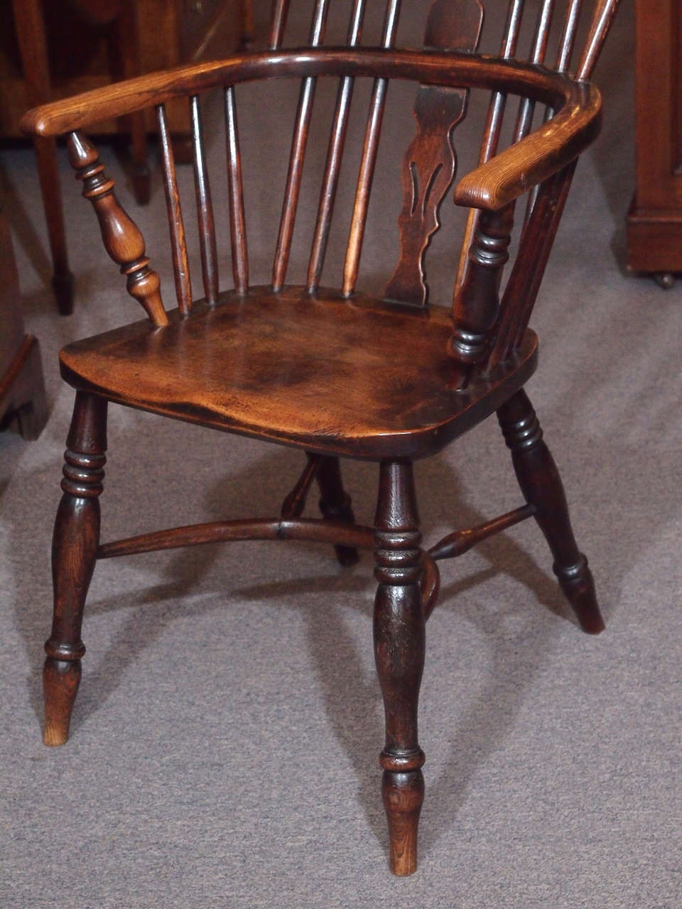 19th Century Antique English elm and ash Windsor chair with crinoline  stretcher. For Sale - Antique English Elm And Ash Windsor Chair With Crinoline Stretcher