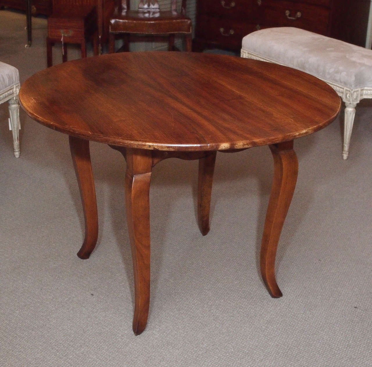 Superieur Antique French Provincial Walnut Round Table On Cabriole Legs.