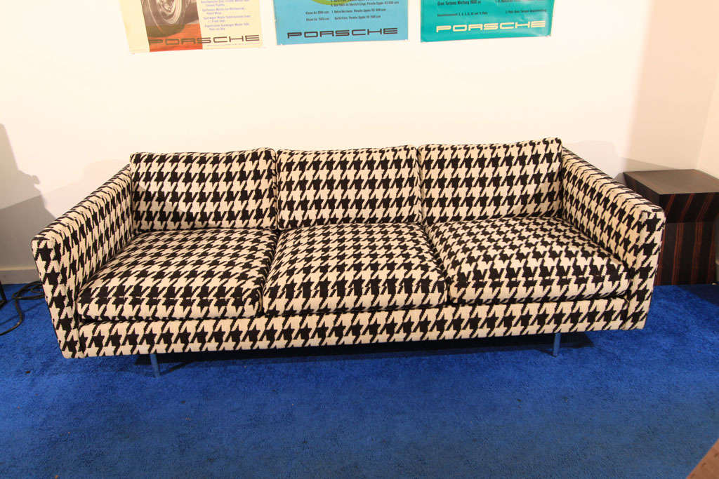 Stunning original hounds tooth sofa by Milo Baughman. Manufactured by Thayer Coggin.