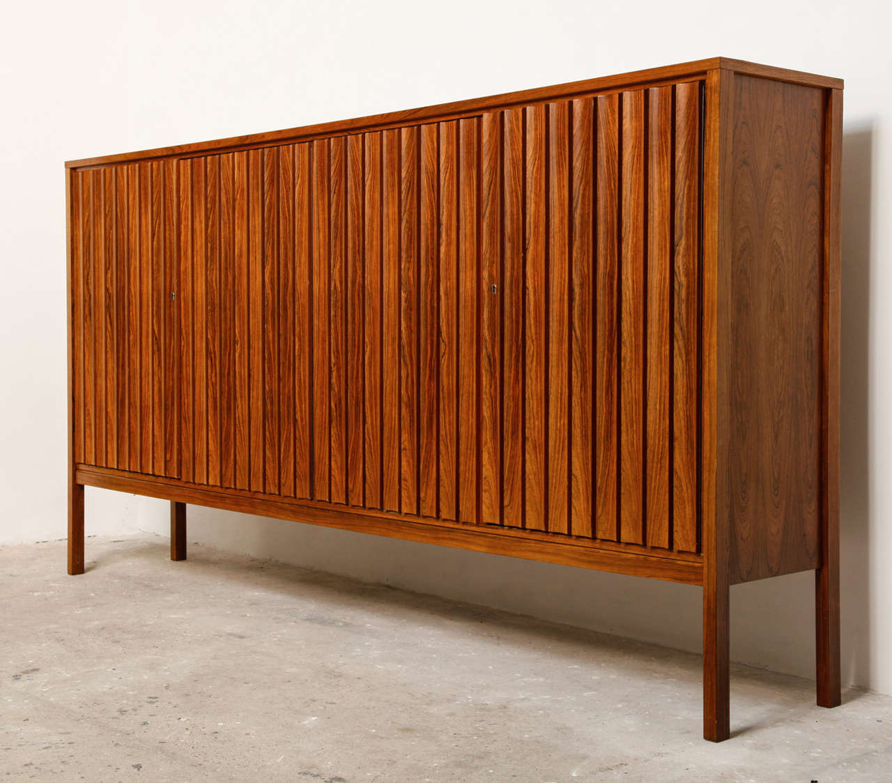 high sideboard pallisander at 1stdibs. Black Bedroom Furniture Sets. Home Design Ideas
