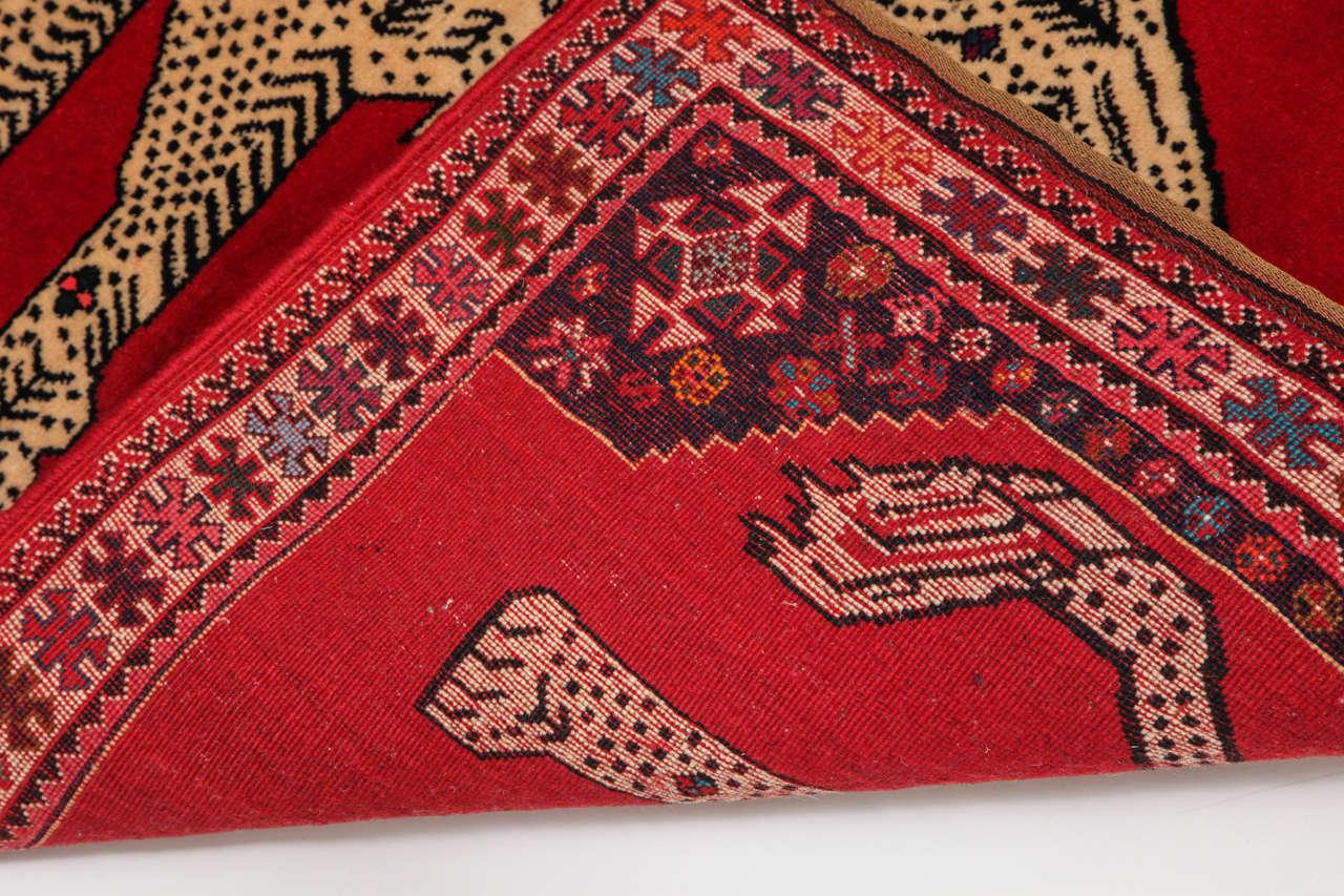 Persian Qashqai Carpet, circa 1940 with Handpsun Wool and Natural Vegetable Dyes 3
