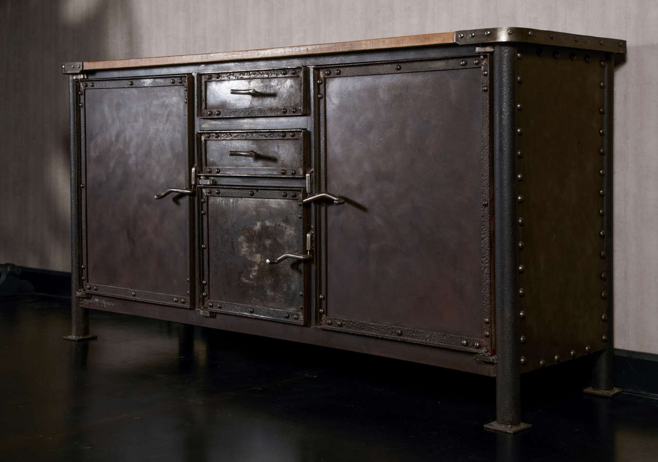 Iron and oak industrial buffet at 1stdibs - Buffet metal industriel ...
