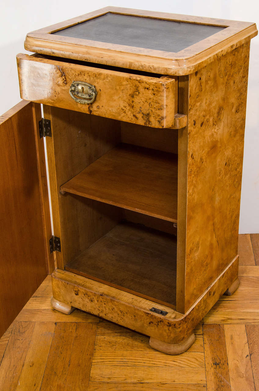 Art Nouveau Birch Nightstands In Excellent Condition For Sale In New York, NY