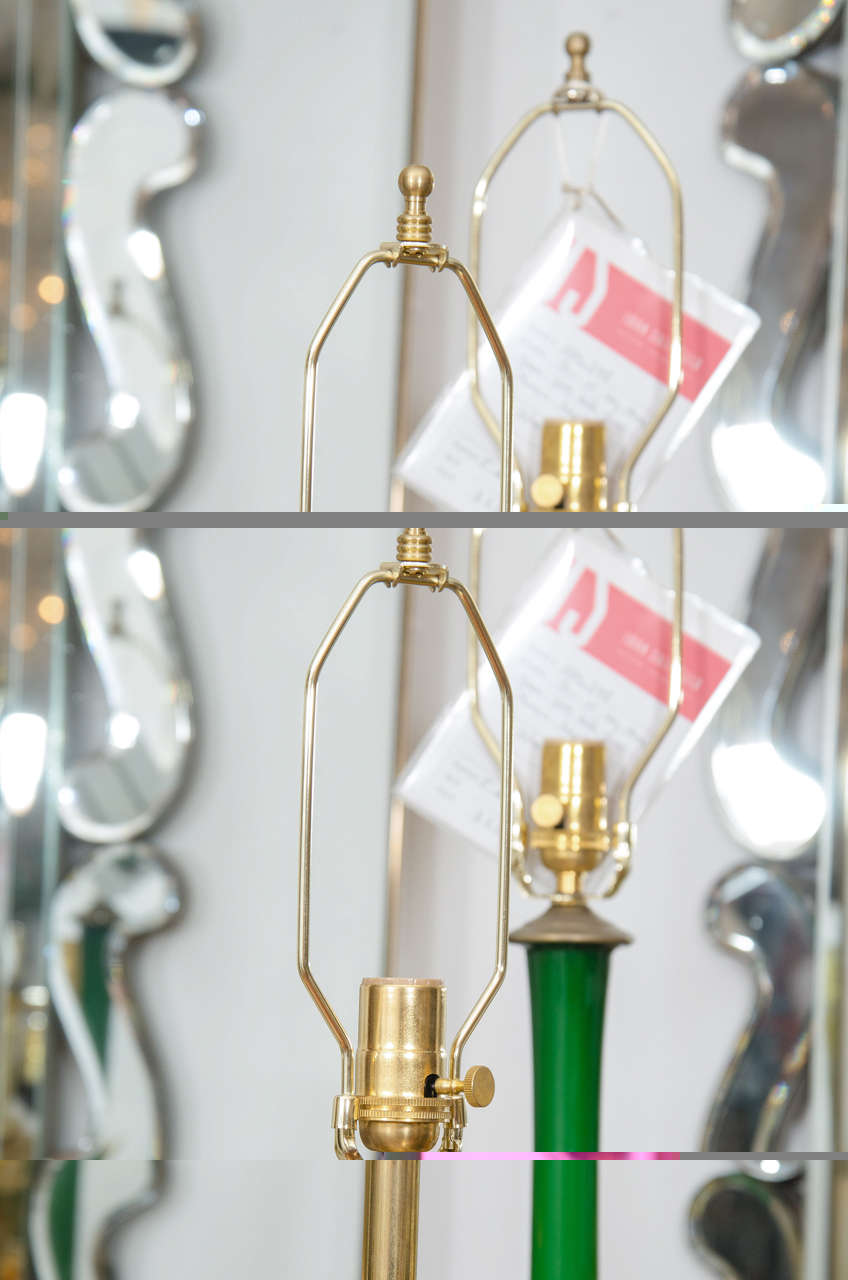Pair of Brass Table Lamps with Sputnik Detail at Centre In Good Condition For Sale In New York, NY