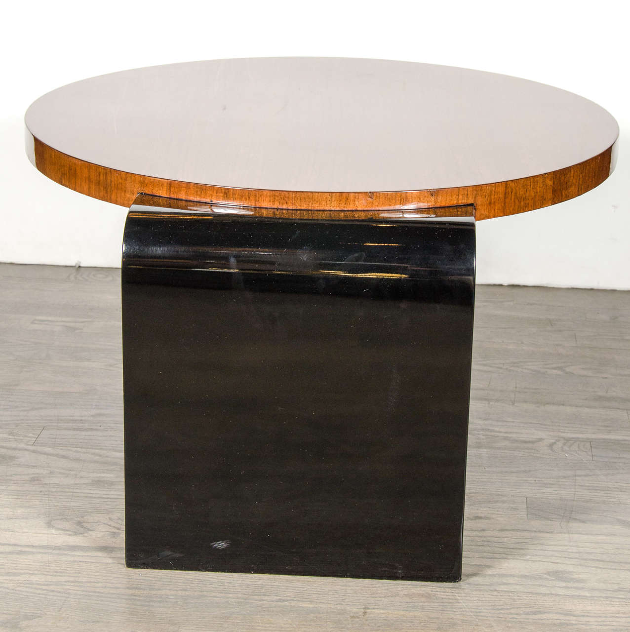 Mid-20th Century Streamline Art Deco Occasional Table in Walnut & Black Lacquer by Modernage For Sale