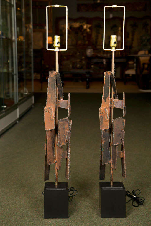 Sculptural Lamps by Richard Barr In Good Condition For Sale In Stamford, CT