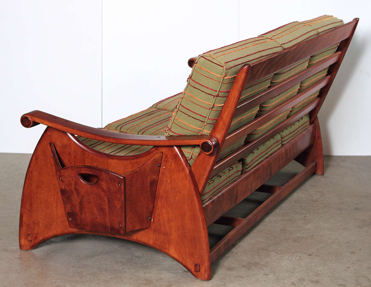 Gilbert Rohde Art Deco Sofa and Coffee Table Heywood Wakefield Reduced In Good Condition For Sale In Dallas, TX