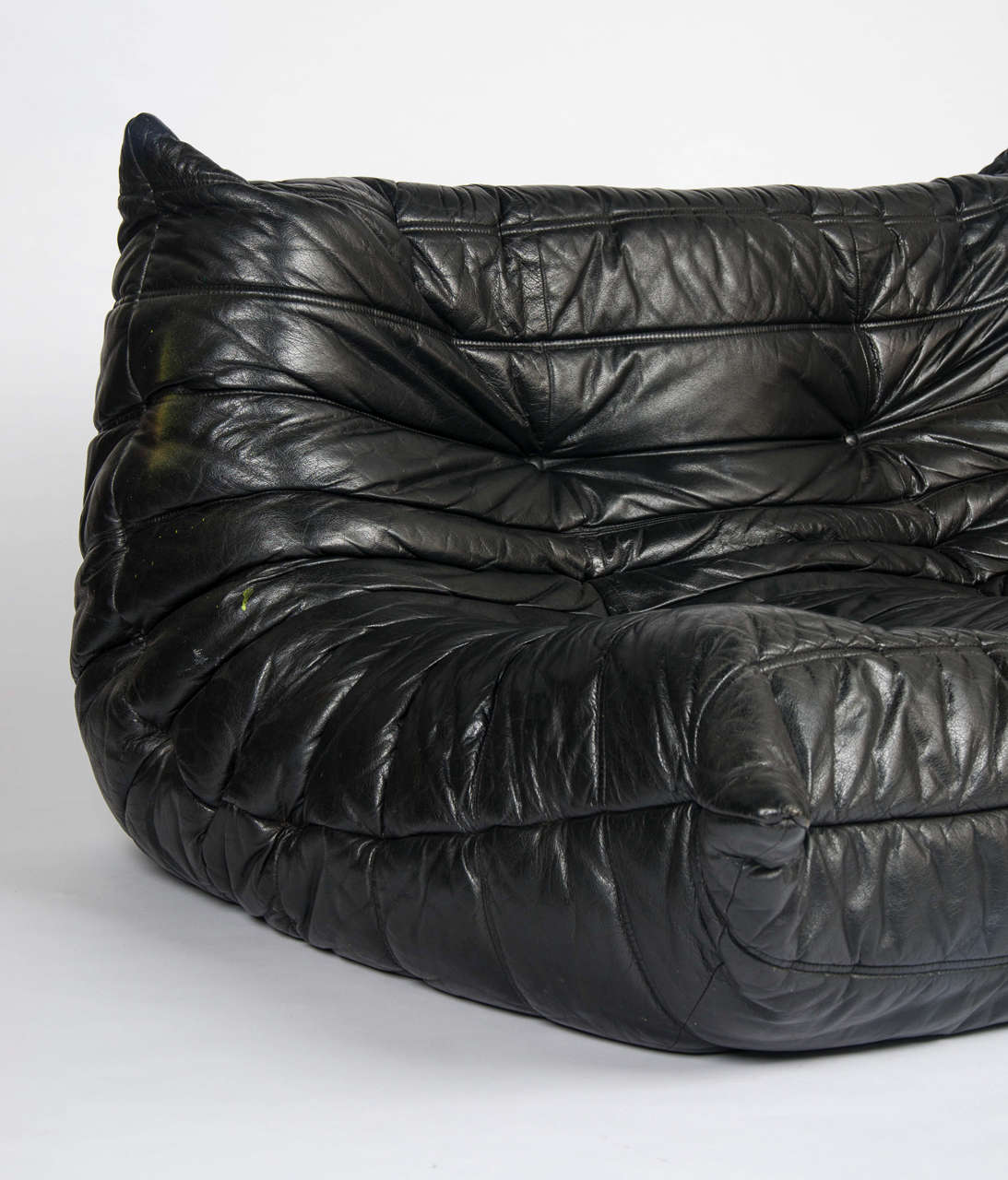 ligne roset togo sofa at 1stdibs. Black Bedroom Furniture Sets. Home Design Ideas