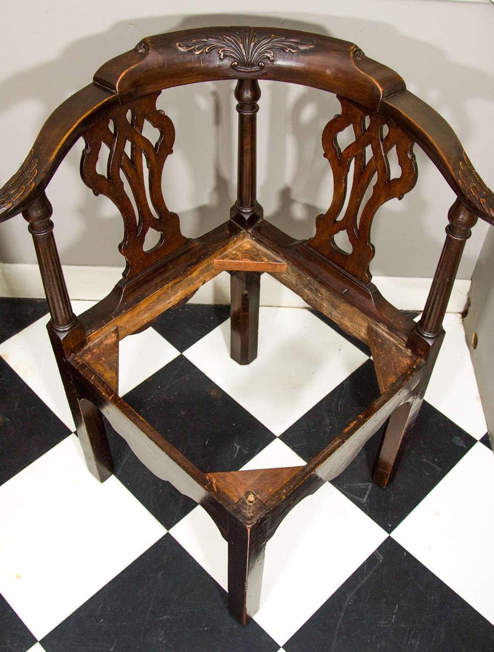 18th Century Irish Corner Chair For Sale 1