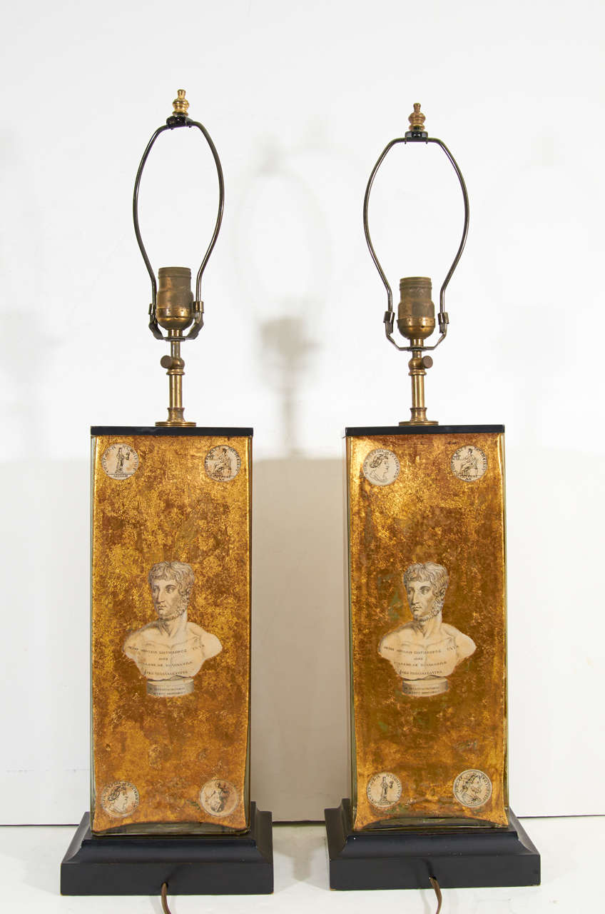 Pair of Eglomise Neoclassical Motif Lamps attributed to Fornasetti For Sale 3