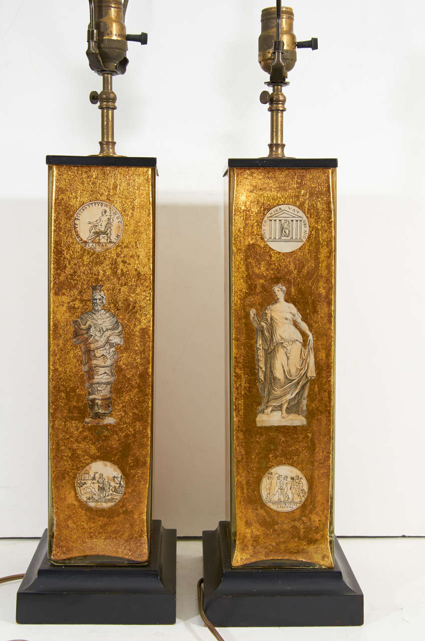 Pair of Eglomise Neoclassical Motif Lamps attributed to Fornasetti For Sale 4