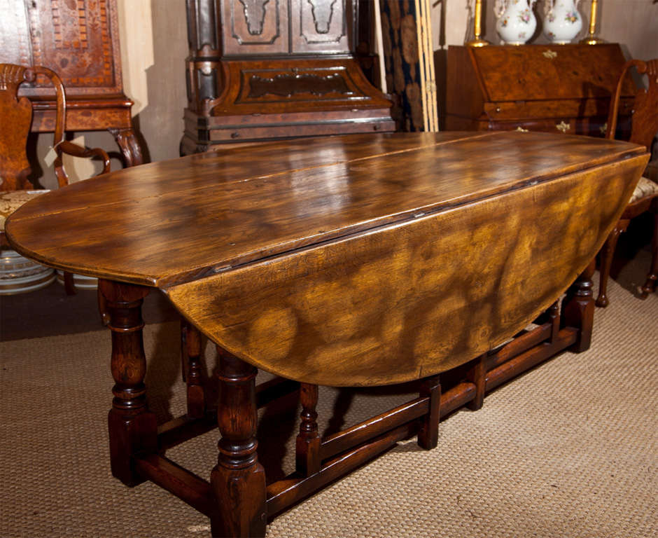 Large drop leaf gate leg dining table at 1stdibs for Large drop leaf dining room tables