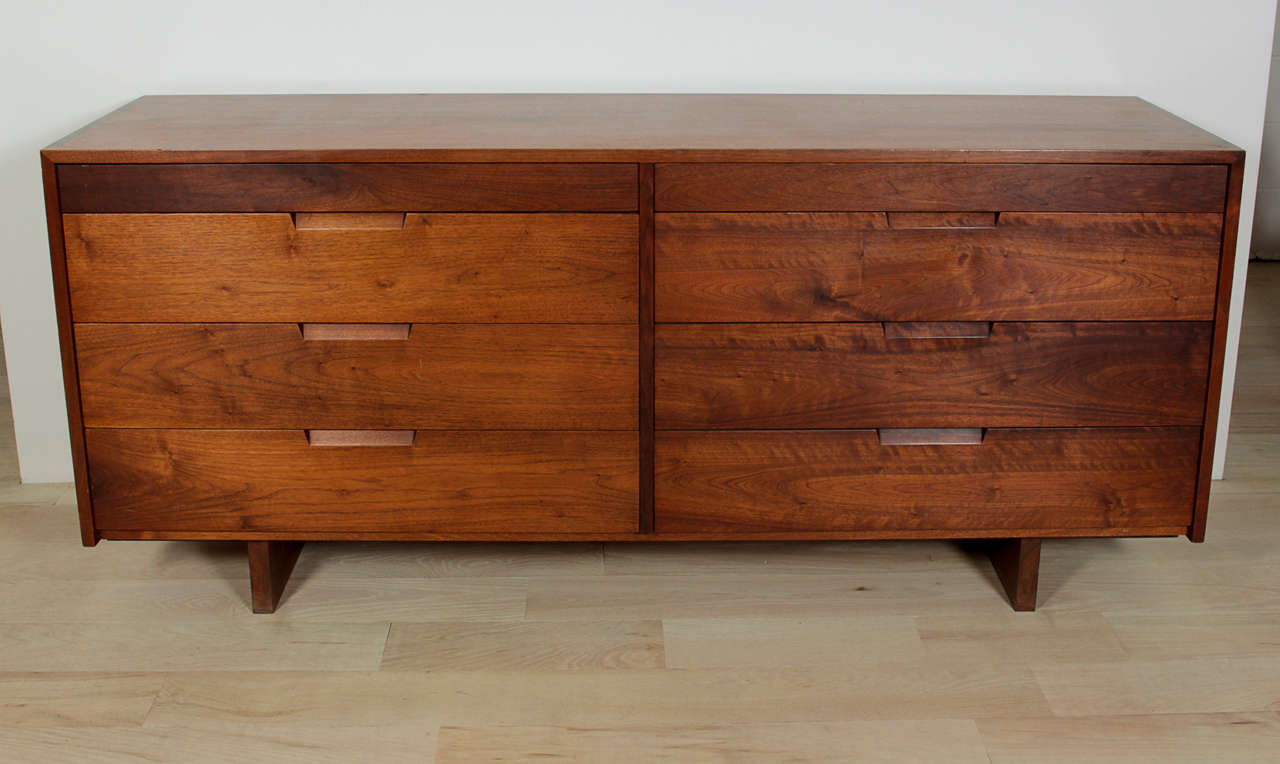 Double dresser in walnut, dovetail case.  Provenance available.
