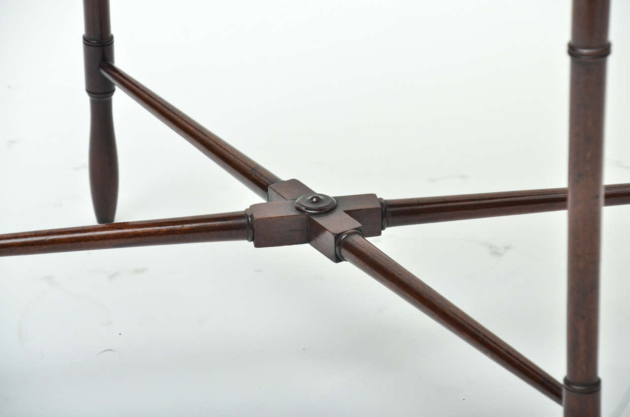 English 18th Century Mahogany Spider Leg Side Table For Sale