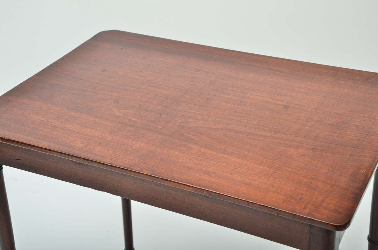 18th Century Mahogany Spider Leg Side Table For Sale 1