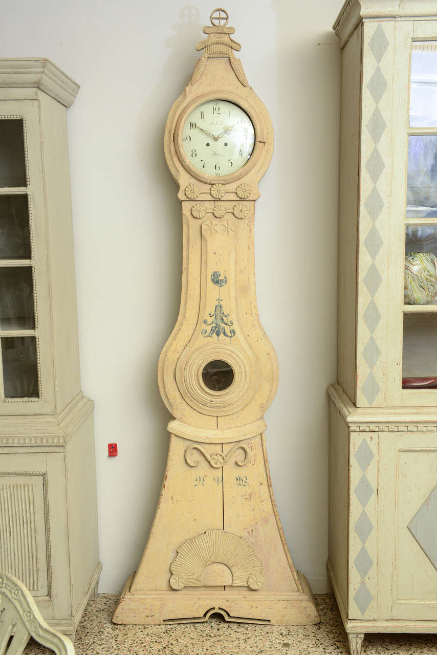 Late 18th Century Swedish Period Extraordinary Collectible Mora Clock In Good Condition For Sale In West Palm Beach, FL